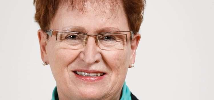 Suzanne Wolf